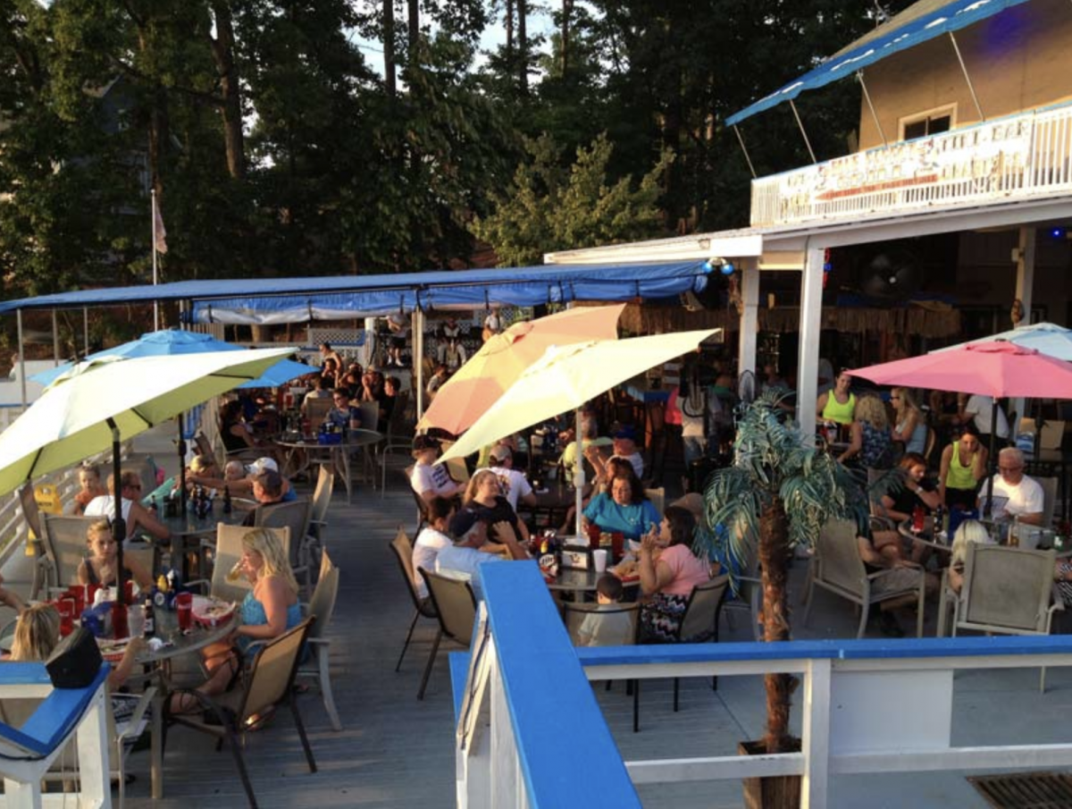 Blue Parrot Grill Lakeside Dining Lake Norman Mooresville NC
