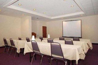 Baymont Inn & Suites Mooresville Mtg room