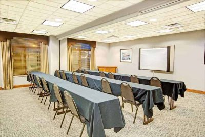 Wingate by Wyndham Mooresville NC meeting room