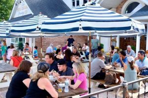 Music Bingo & Lobster Dogs Day @ King Canary Brewing
